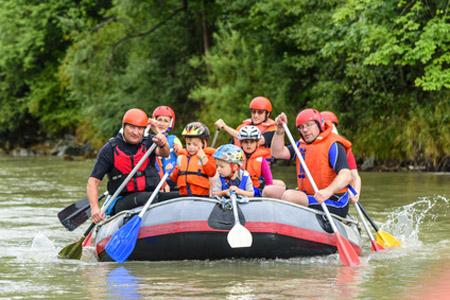 Schlauchboot-Tour mit der Familie