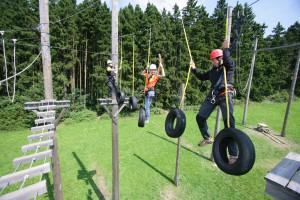 Geschicklichkeit und Krafttraining im Hochseilgarten Bad Griesbach